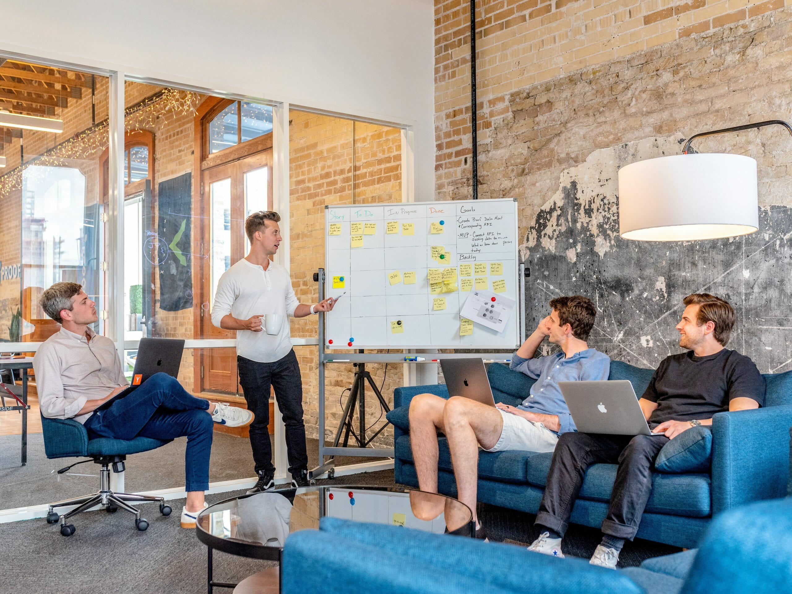 Agency vs In-house Design: Pros, Cons, and an Alternative for Your Design Work - DY Blog